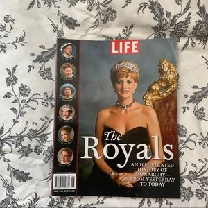 2FOR$10 | The Royals Life Magazine